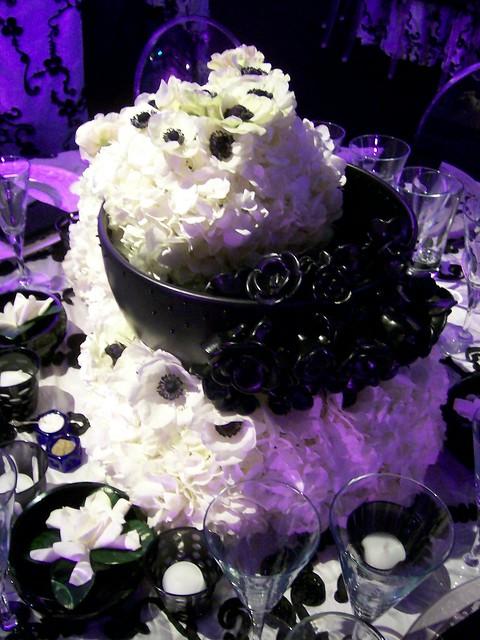 black white wedding centerpieces