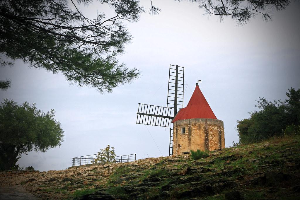 Moulin de Daudet, Fontvieille by Boccalupo