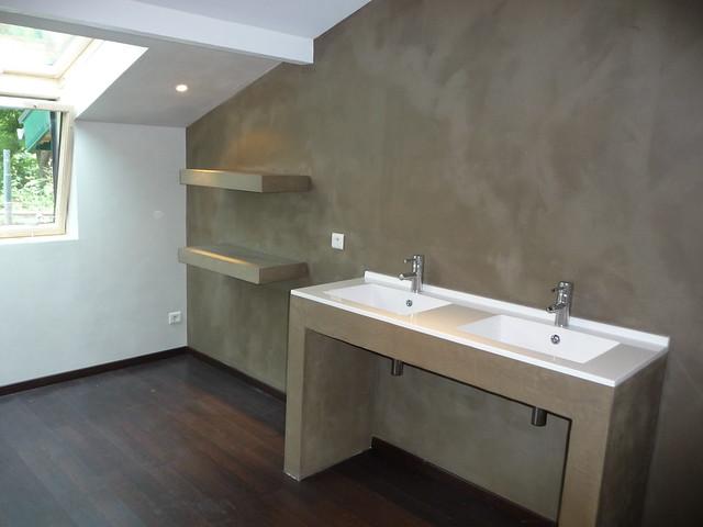 Salle de bain b ton cir brun clair explore yannick - Beton cire salle de bains ...