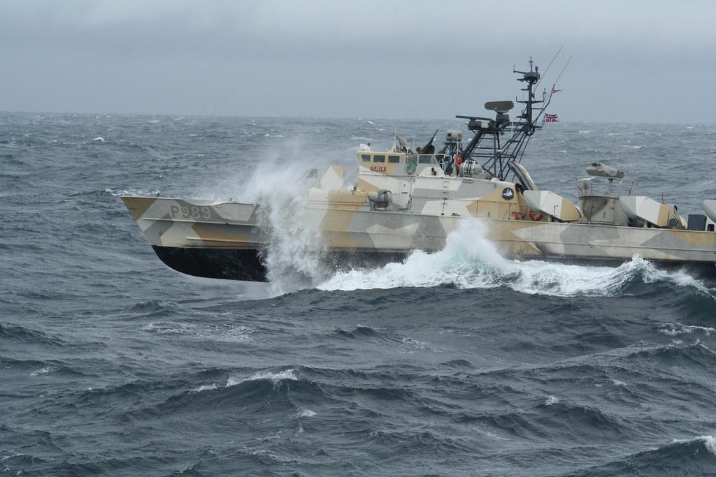 مصر تعزز سلاحها البحري بسبع قطع من النرويج. - صفحة 2 4723637933_98622cd265_b