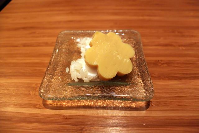 Coconut Sticky Rice Cake