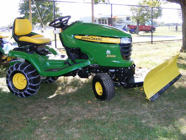 John Deere X300 Lawn Tractor : John deere lawn tractor car interior design