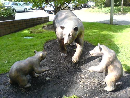 bear sculpture at the lake oswego, oregon public library   DSC00325