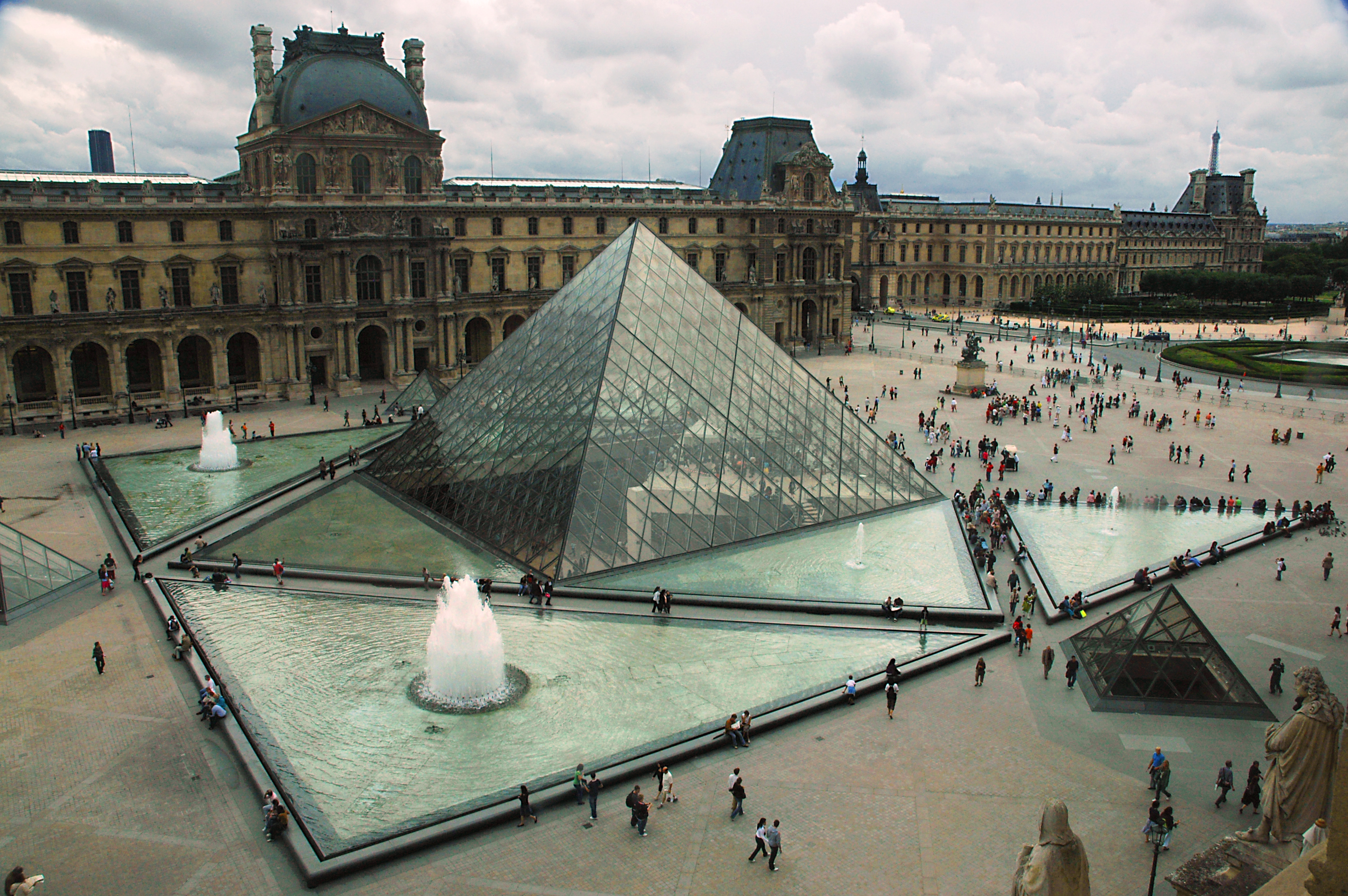 I m pei 39 s pyramid at the louvre flickr photo sharing - Louvre architekt ...