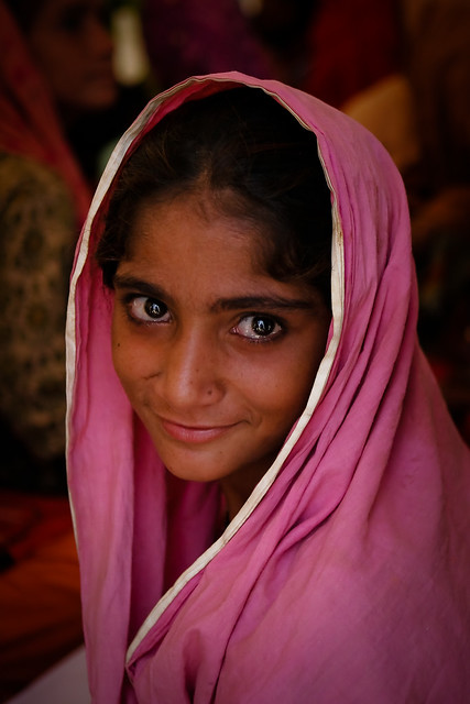 Sindhi Girls http://www.flickr.com/photos/esthet/5145694303/