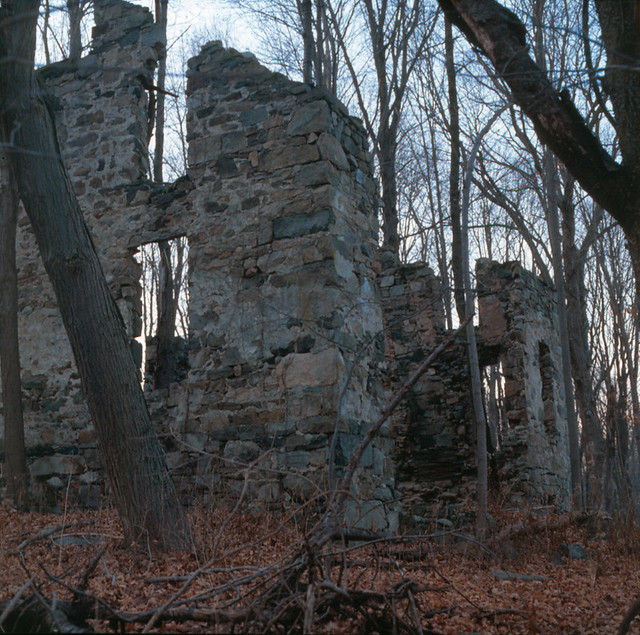 Old Stone House by scarywebguy
