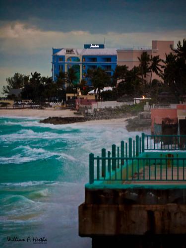 sea sky beach clouds bahamas nassau newprovidence exif:iso_speed=320 exif:make=panasonic panasonicdmcg1 camera:make=panasonic exif:focal_length=151mm camera:model=dmcg1 exif:model=dmcg1 exif:lens=lumixgvario45200f4056 geo:city=nassau exif:aperture=ƒ52 lumixgvario45200f456 geo:state=newprovidence rawsoncourt geo:countrys=bahamas