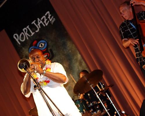 music festival finland garden geotagged nikon gig trumpet jazz 2007 5018 porijazz d80 joeymorant suomalainenklubi