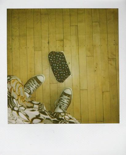 Skirt & Converse