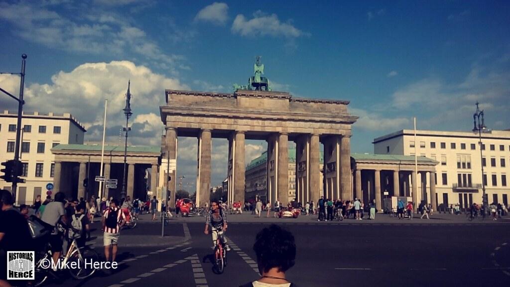 77. Puerta de Brandenburgo