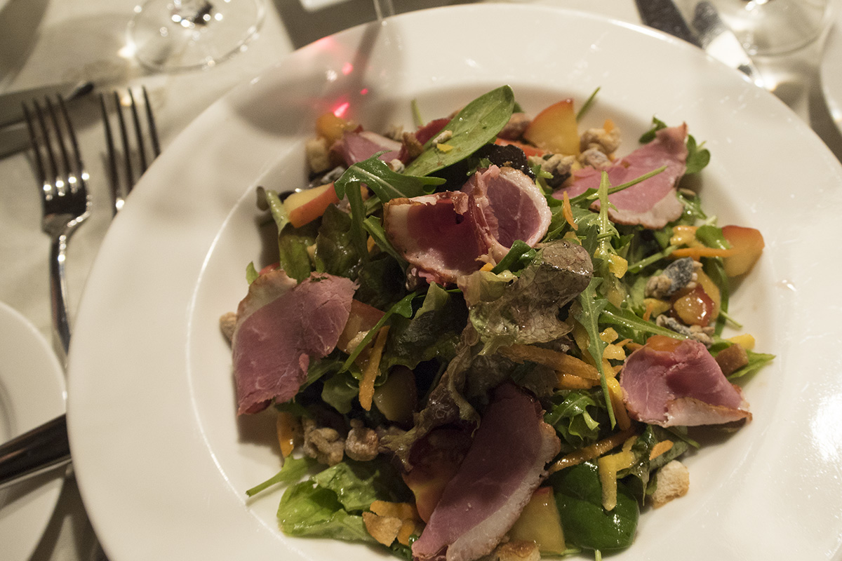 warm-winter-duck-salad-museum-restaurant-st-anton