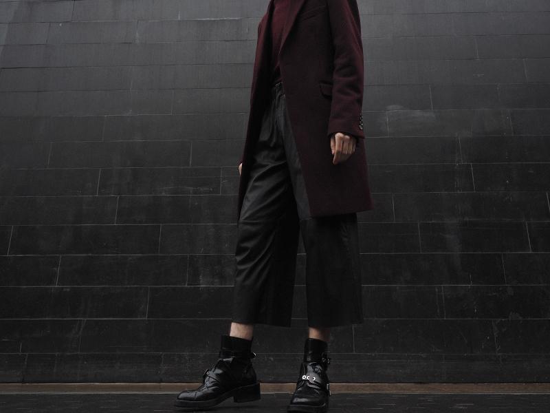 mikkoputtonen_fashionblogger_london_outfit_style_asos_kiomi_onarSrtudios_leatherpants_balenciaga_cutoutboots5_web