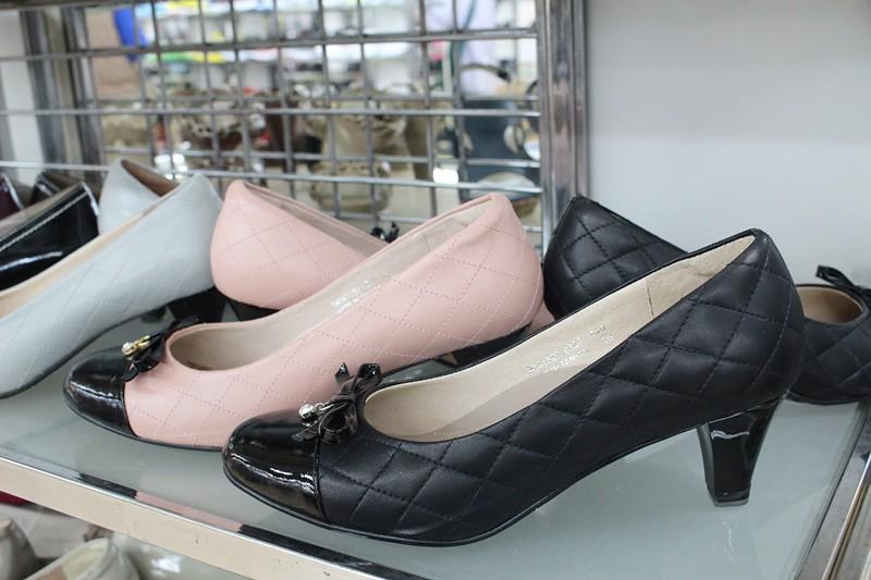 24800532696 7f5090f327 b - 熱血採訪。台中干城特賣會搶好康,La new男女鞋、Nike等運動品牌、思薇爾內衣、精典泰迪童裝