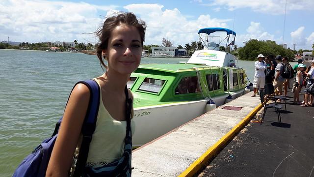 Water taxi que nos llevaría a Cayo Caulker, en Belize.
