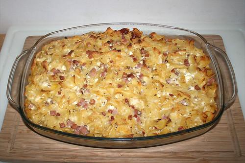 34 - Bohemian ham pasta bake - Finished baking / Böhmische Schinkenfleckerl - Fertig gebacken