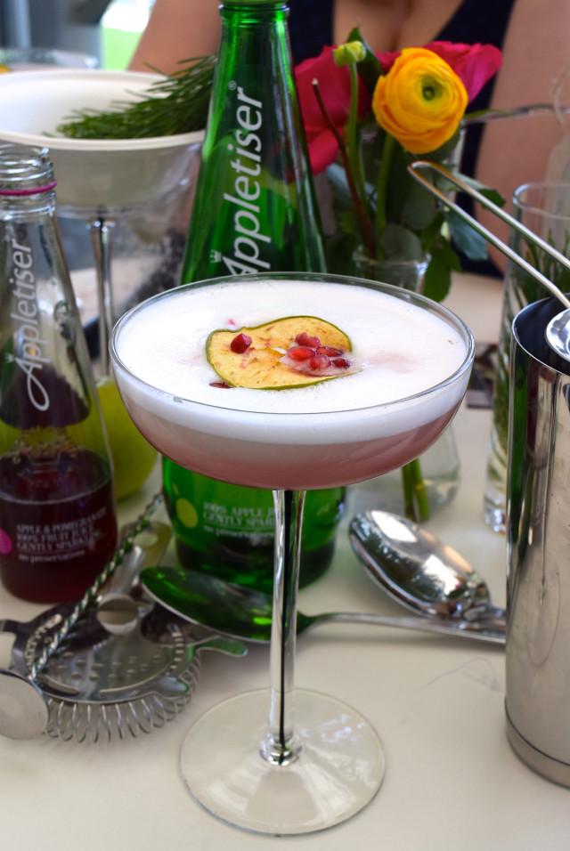 Gin Appletiser Cocktails at Ascot | www.rachelphipps.com @rachelphipps