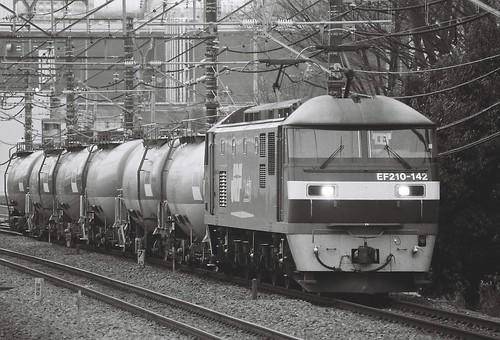 EF210-142