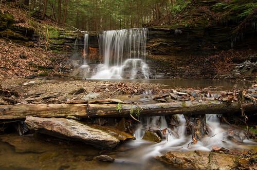 longexposure waterfall spring woods pentax flowing mcconnellsmill grindstonefalls grindstonerun