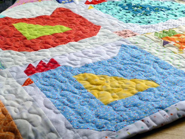 Siblings Together Bee 2 Mama Hen quilt finished!