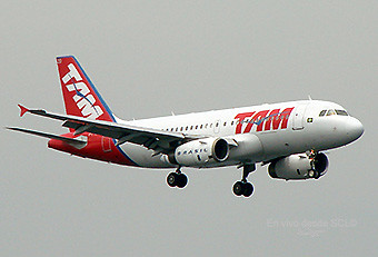 TAM A319 app SDU (E.Moura)
