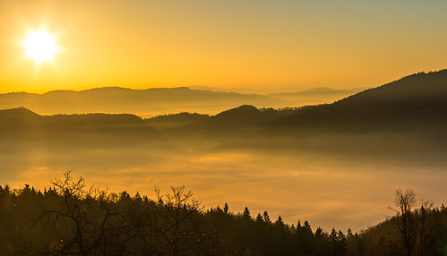 morning sun mist fog sunrise haze view hills limbarskagora
