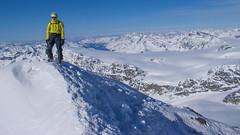 Robert i widok ze szczytu Weisskugel 3739m.