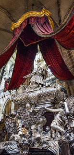_MG_4356_web - Tomb of John of Nepomuk in St. Vitus Cathedral