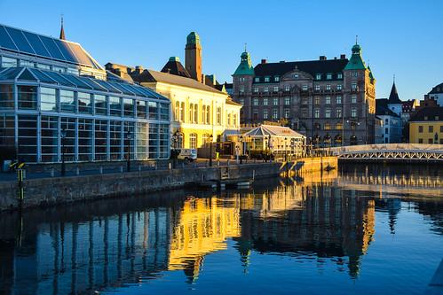 city sky sun streets water buildings reflections se sweden sverige malmö sunreflection cityview skeppsbron ljus skånelän malmöcentral bagersbro suellshamnen