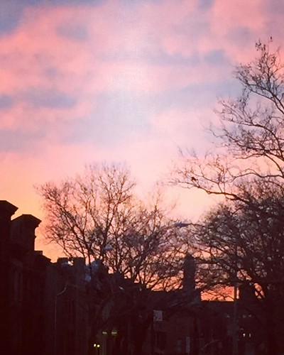 #sunset over #Brooklyn .. Took a trip to pick up some #craftmaterials.  Well worth the trip for the haul.. And it was #free!  #myny #mynyc #OnMyWayHome #lookingUp #mySunday #nYC #goodnightNY #inTheNameOfCrafting