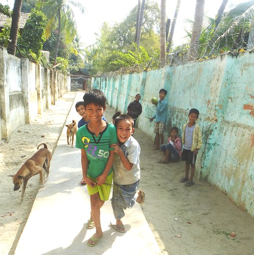 M16-Mandalay-Quartier des moines-Enfants (2)