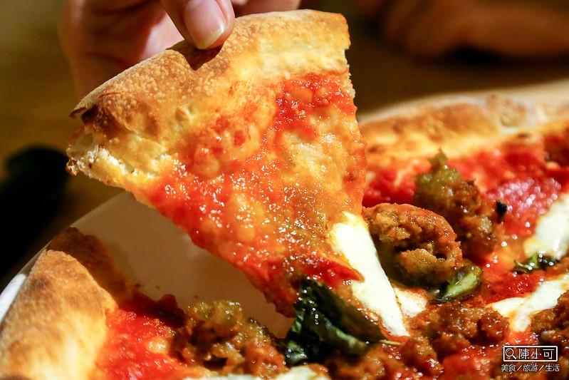 宜蘭美食餐廳推薦 縣政中心TAVOLA pizzeria 窯烤手工披薩 鄉村彩虹沙拉 義式料理 宜蘭市餐廳搜尋