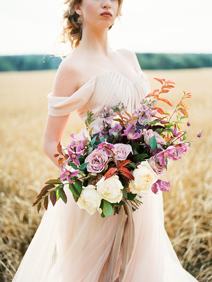Blush Wedding Gown,shades of lilac color for #autumn wedding | Photo by Igor Kovchegin | Fab Mood