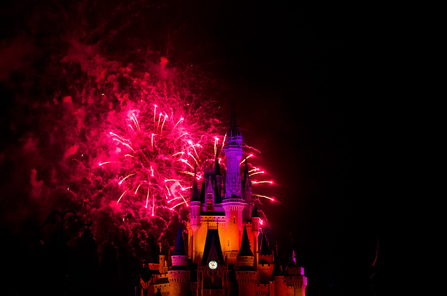 20160415-Disney-Vacation-Magic-Kingdom-Day-1-Fireworks-0017
