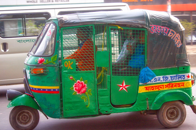 CNG tuk-tuk, Dhaka, Bangladesh, Canon EOS DIGITAL REBEL, Canon 18.0-55.0 mm