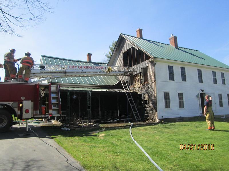 36 housefire 042116 2