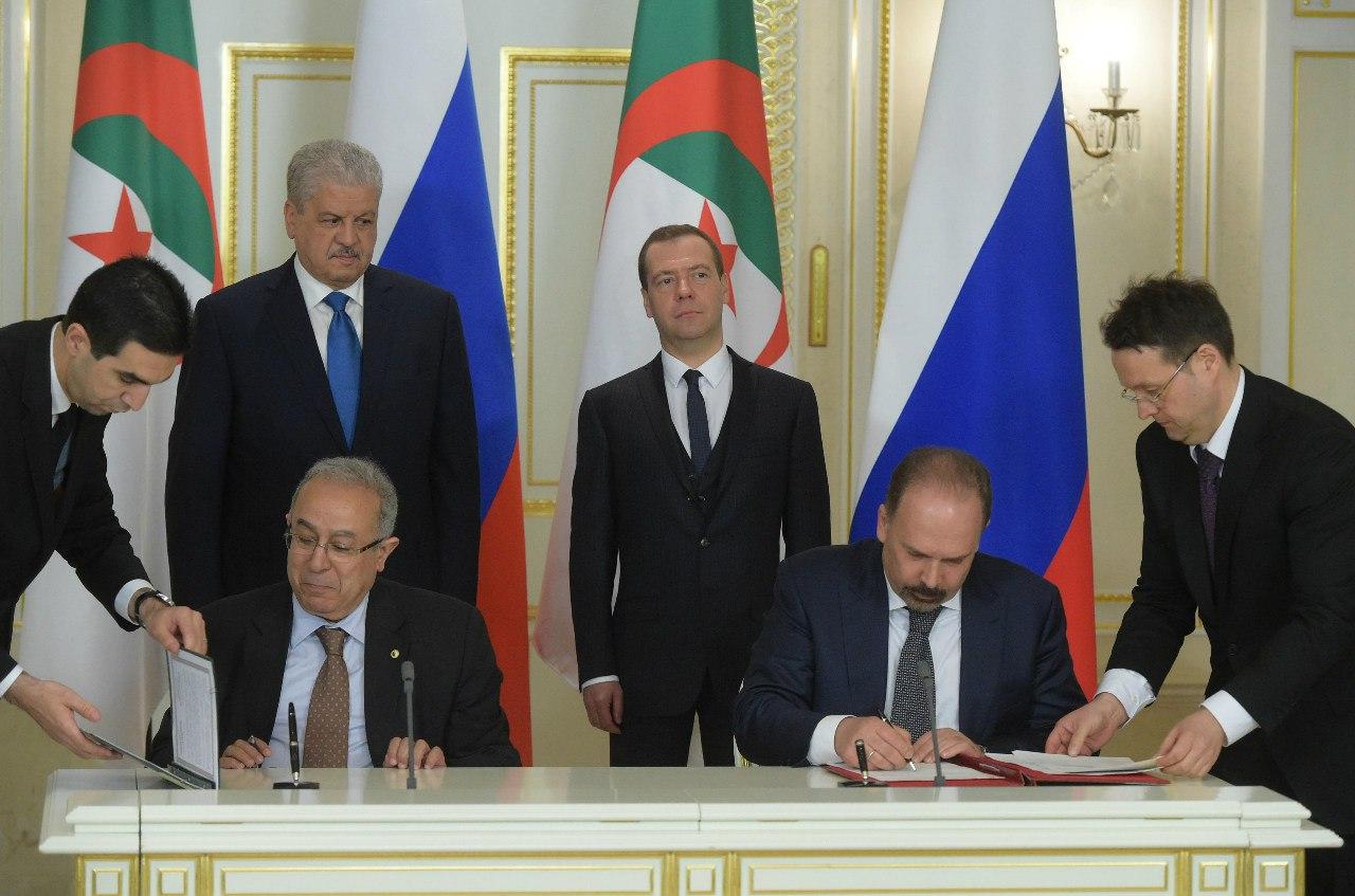 العلاقات الجزائرية الروسية - صفحة 2 26611964861_548a7be4cb_o