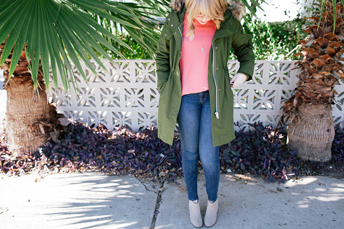 pink blouse green parka9