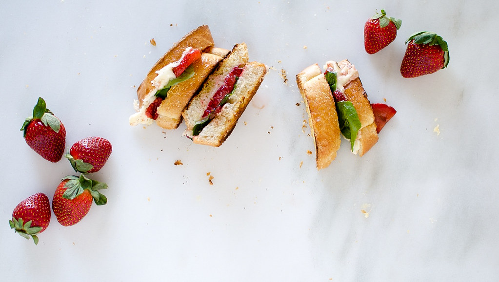 Savory Balsamic Roasted Strawberry and Basil Grilled Cheese | PasstheSushi