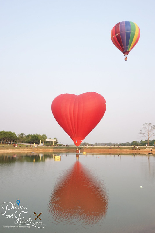 singha park international hot air balloon fiesta love double balloon