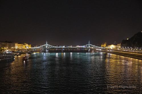 【写真】東欧周遊 : エルジェーベト橋