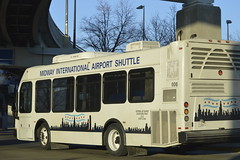 El Doraldo Midway Airport Shuttle Bus