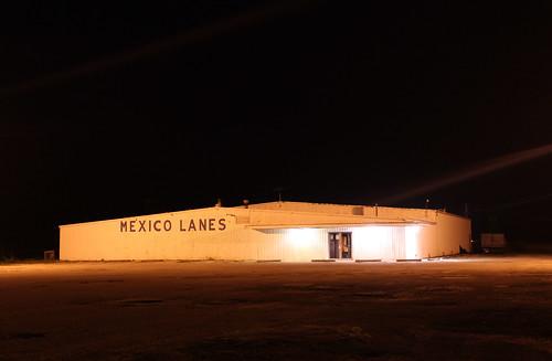 nighttime missouri bowlingalley mexicolanes