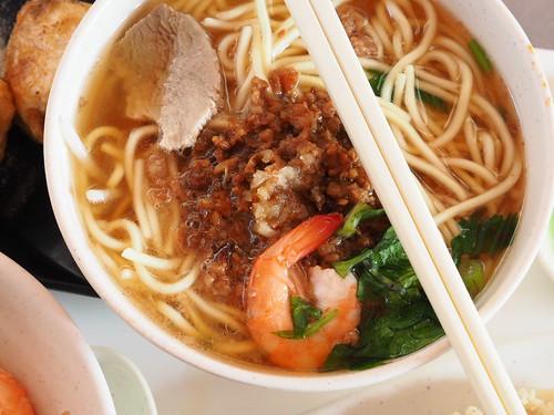 周氏蝦捲の汁あり担仔麺
