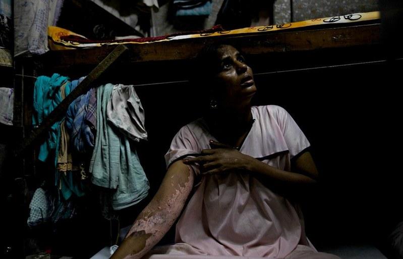 世界最大紅燈區—性暴力國度 孟買—傷痕累累的性工作者13