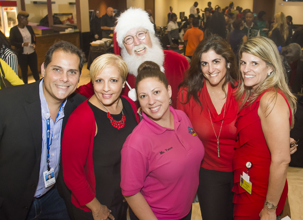 213-MFF_HolidayParty2015
