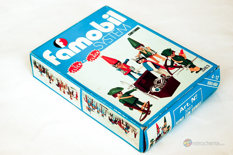 Famobil 3263 - reina con damas en caja