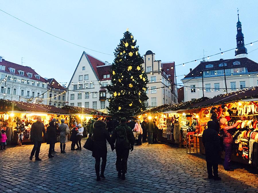 joulumarkkinat_illalla_web