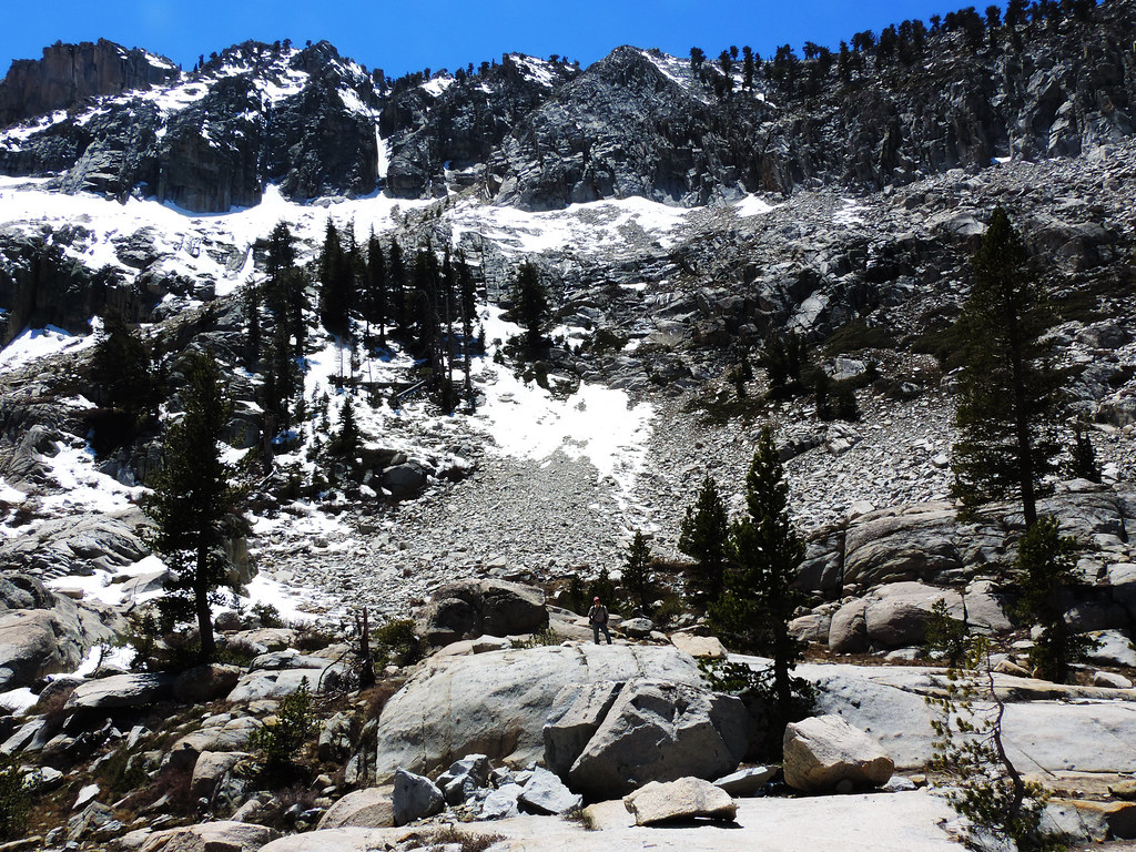 Best Late Spring Hikes In California: Lakes Trail, Sequoia National Park