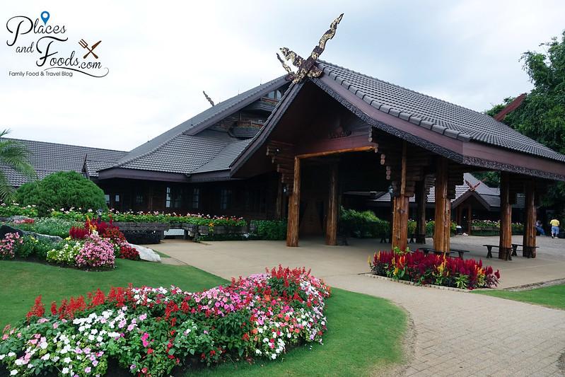 doi tung royal villa queen house with garden