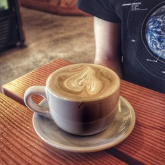 pearl latte with Anthony #canon #eosm #40mm #pearlcupcoffee #pearllatte #coupleofweeksago #coffee #latte